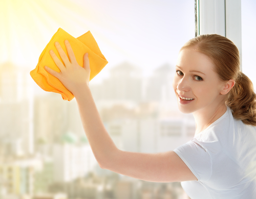 how to clean inside windows without streaks
